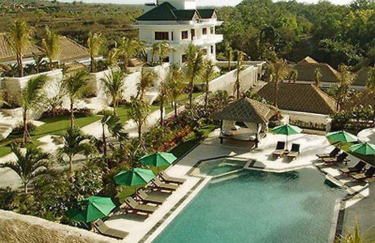 Hotel Dreamland Villa Kuta Bali